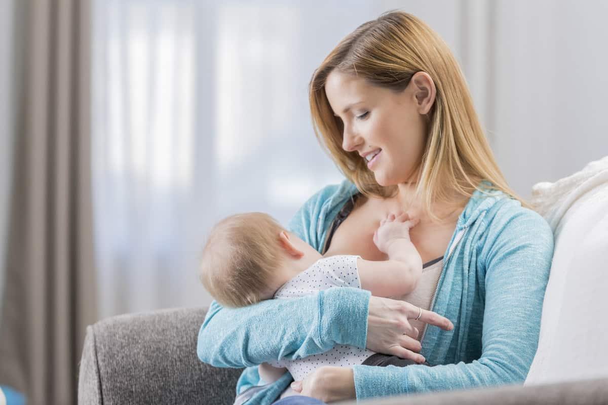 اعراض الحمل مع الرضاعة