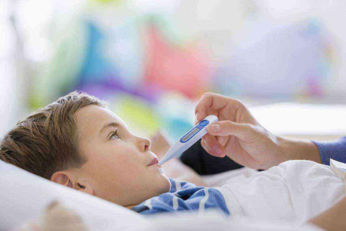 طرق تخفيض حرارة الأطفال