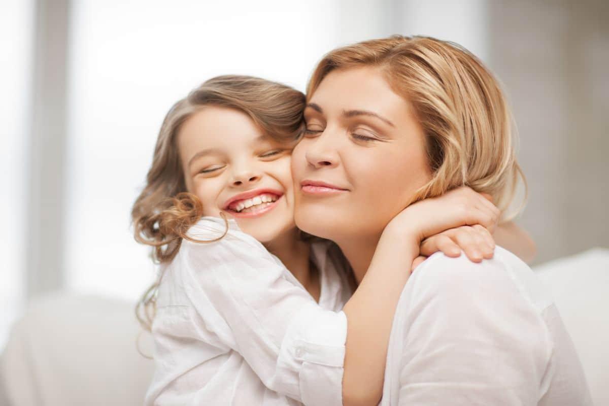 سبباً للتمتع بدور الأمومة والعناية بالأطفال