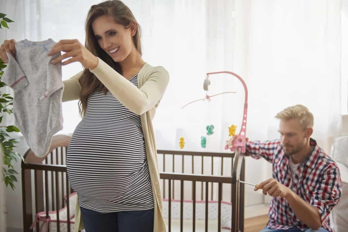 اعراض الحمل في الشهر الثاني بولد
