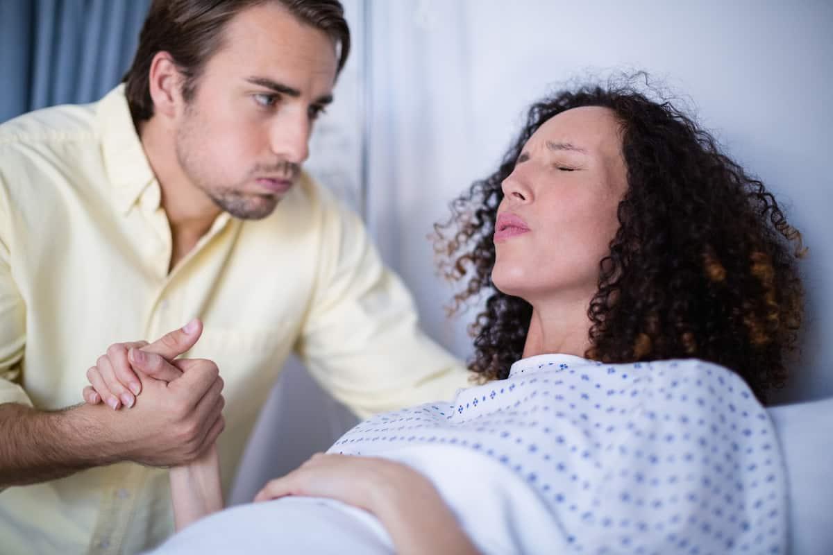 كيف أعرف أنني على وشك الولادة