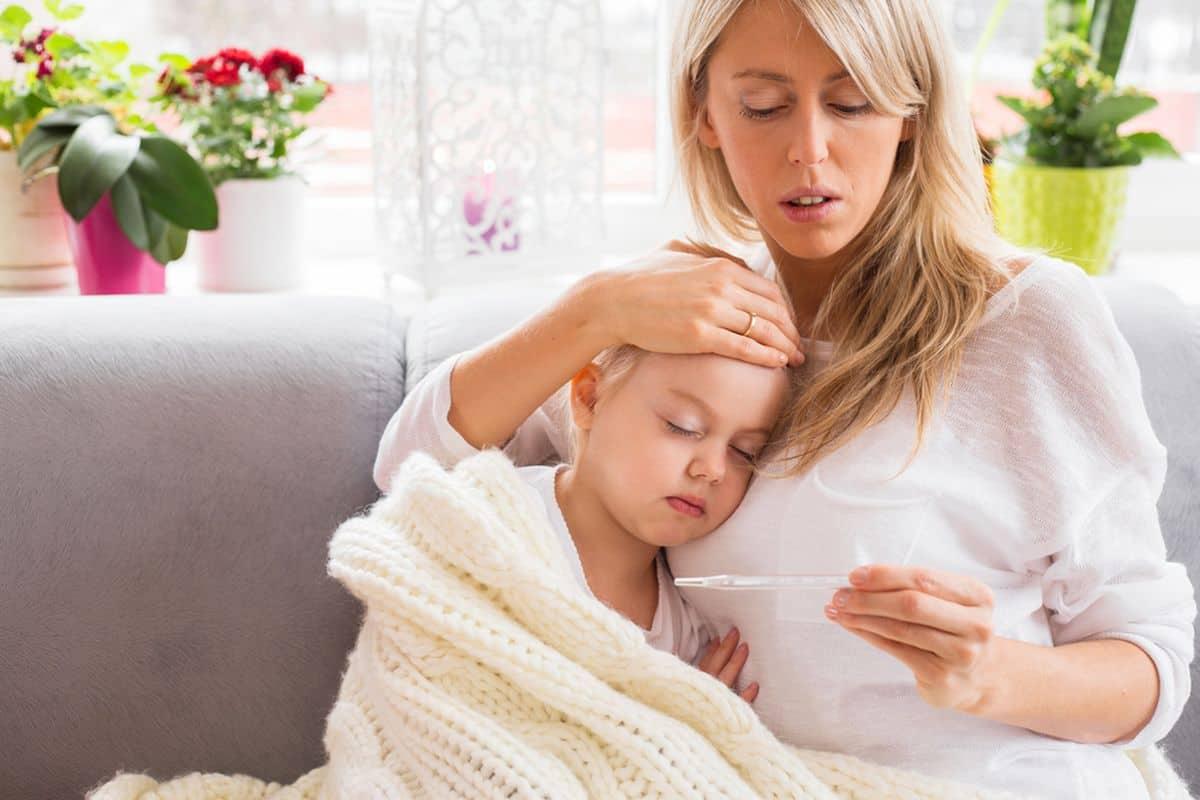 علاج حرارة الطفل المرتفعة
