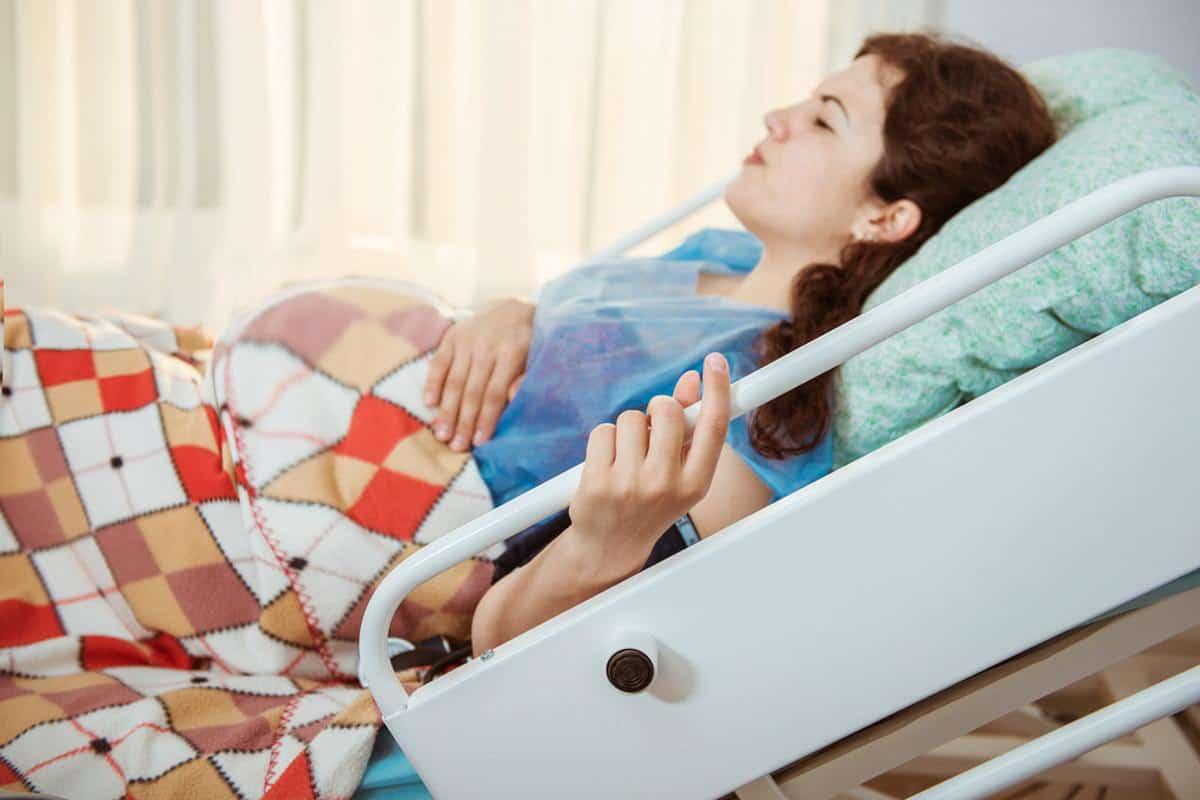 ما هي اعراض الولادة المبكرة