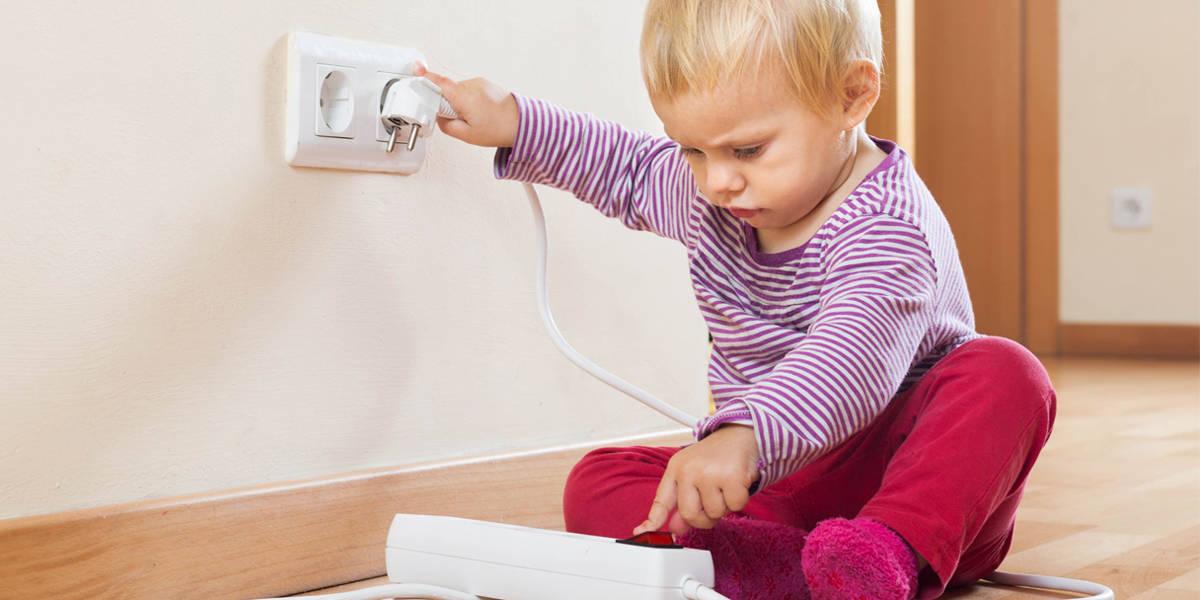 سلامة الطفل في المنزل