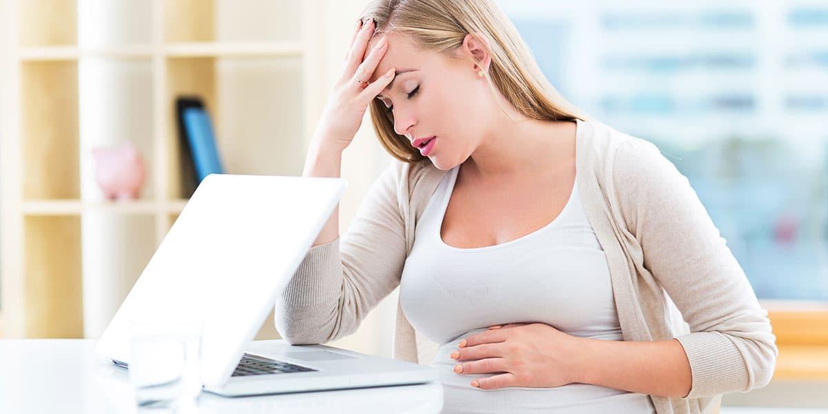 علامات الحمل في الشهر السابع بولد
