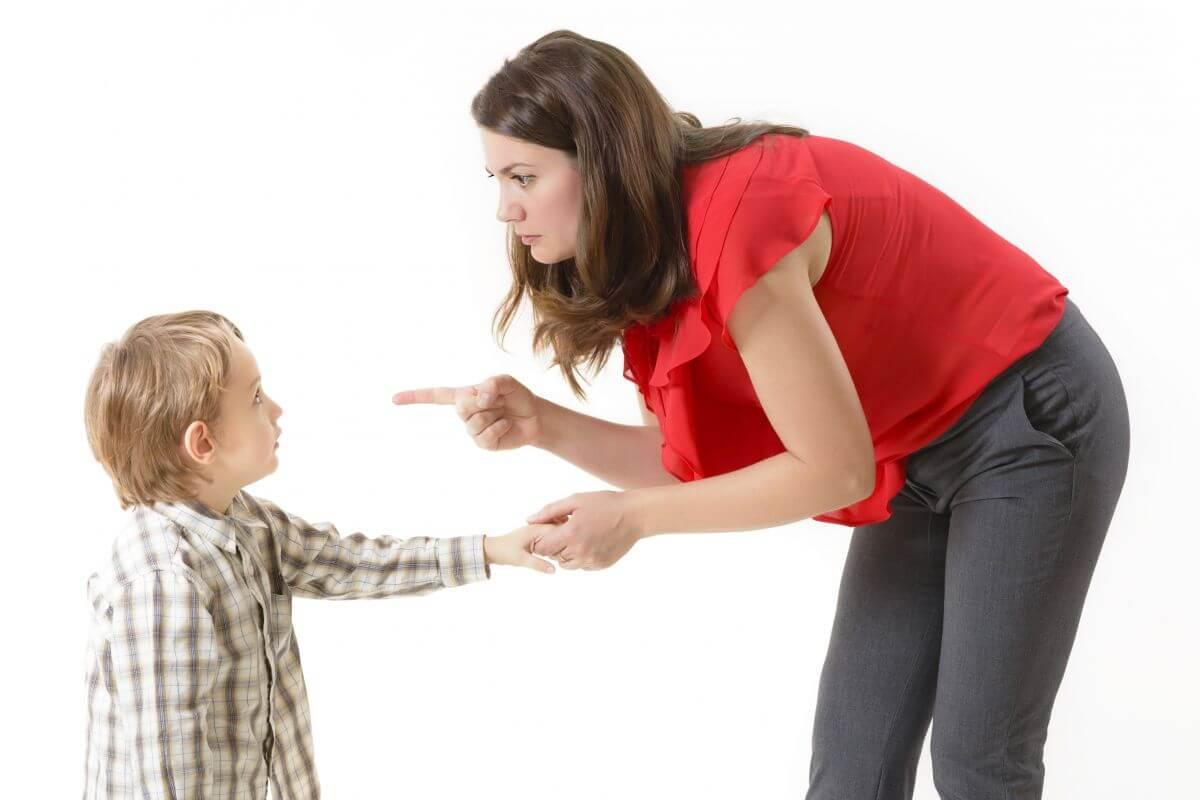 اضرار ضرب الاطفال