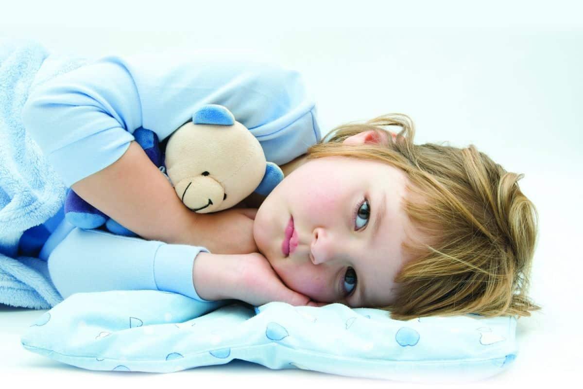 القيء عند الاطفال بدون حرارة