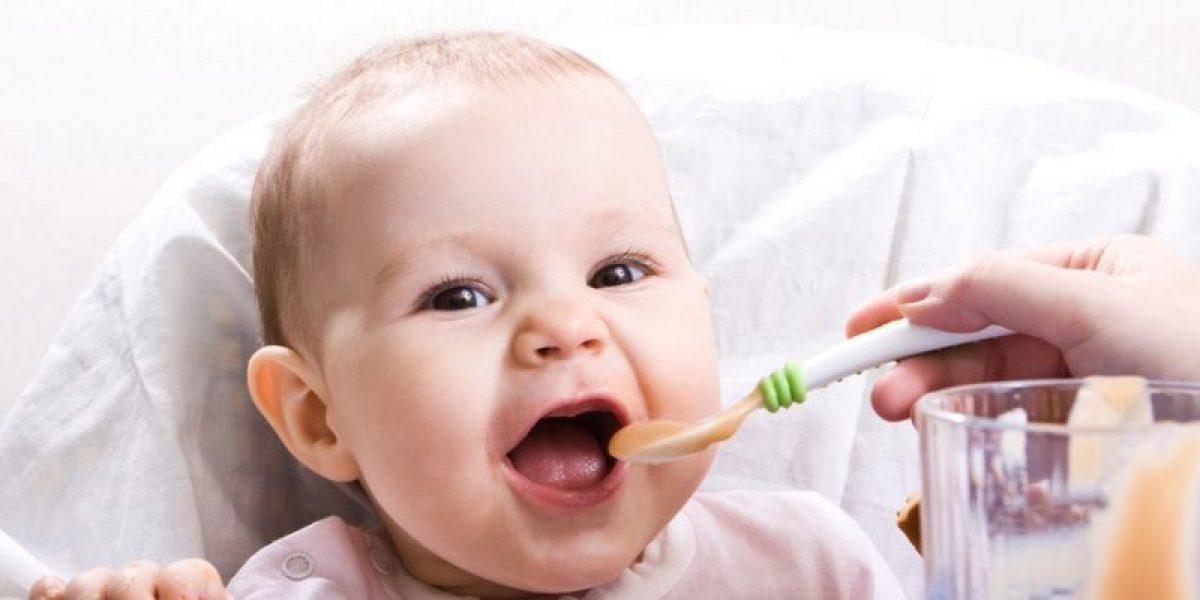أطعمة تساعد الطفل على النطق لعلاج تأخر الكلام