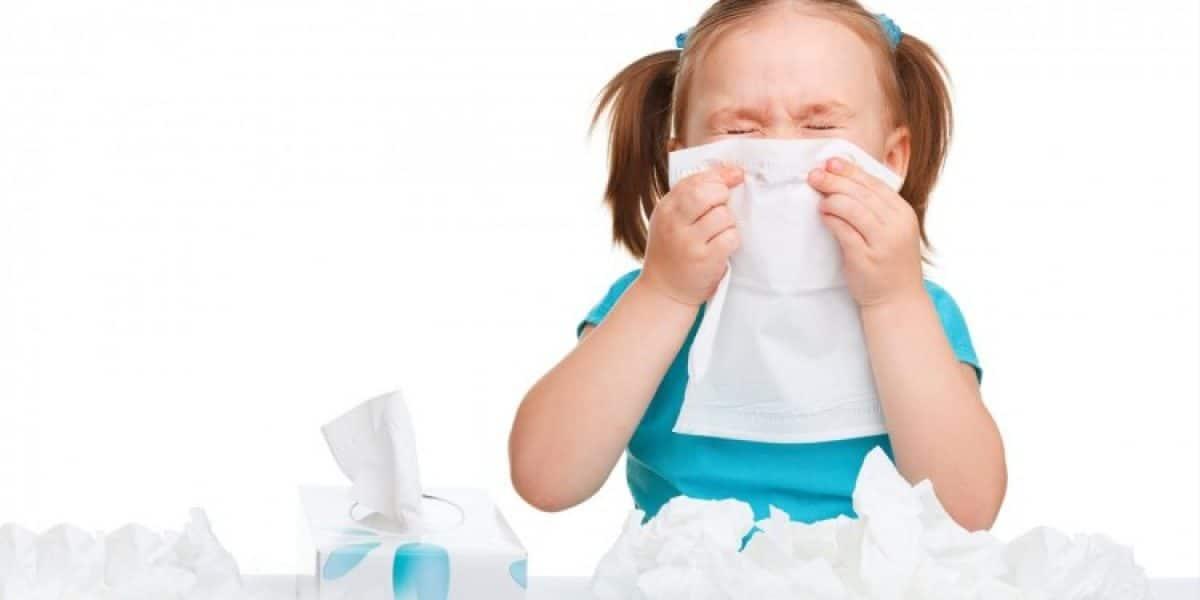 علاج العطس المستمر عند الأطفال