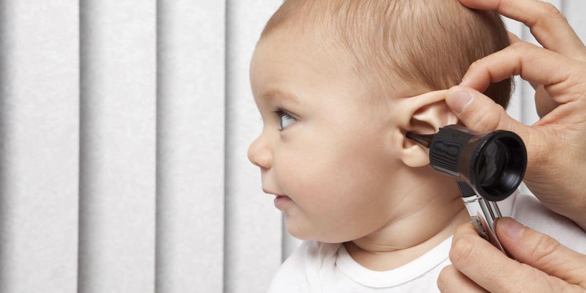 علامات ضعف السمع عند حديثي الولادة