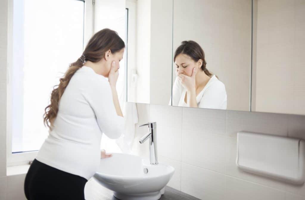هل كثرة الاستفراغ يؤثر على الجنين
