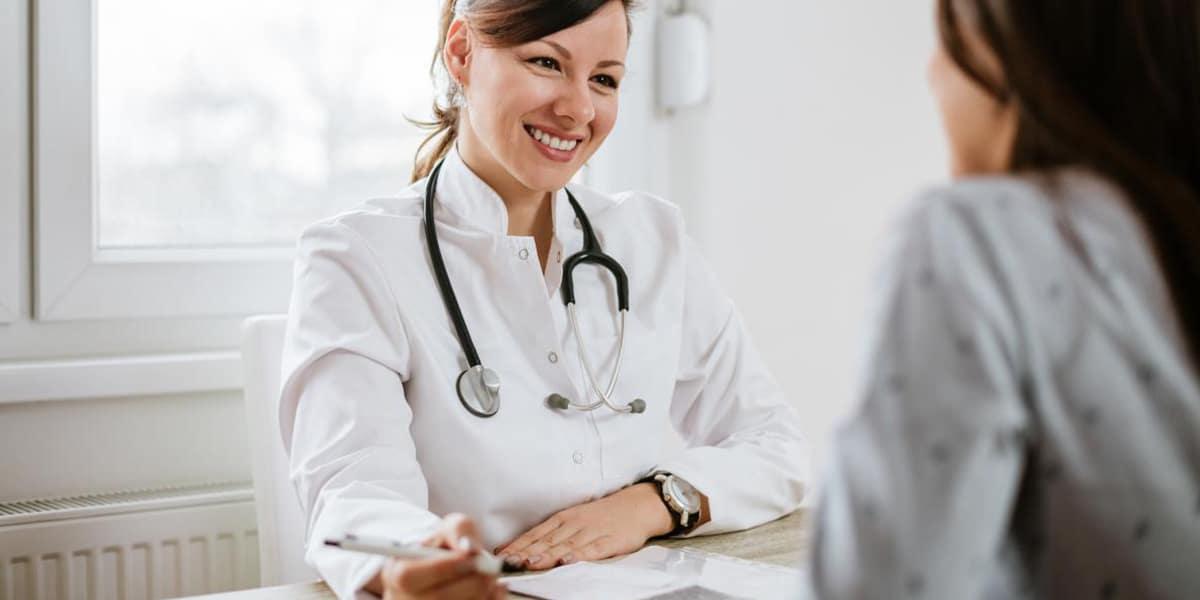 افضل دكتورة نساء وولادة بالمدينة لتأخر الحمل