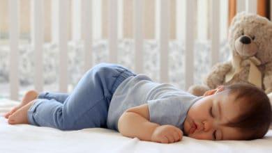 كيف اجعل طفلي ينام بعمق