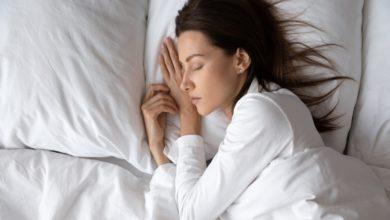 متى أنام على جنبي بعد العملية القيصرية