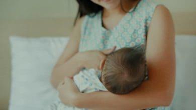 صعوبة الرضاعة عند حديثي الولادة