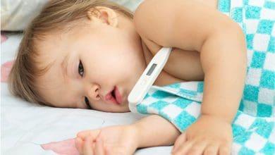 أسباب ارتفاع الحرارة عند الطفل الرضيع