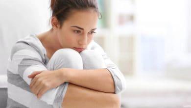 أسباب استمرار نزول الدم بعد الدورة الشهرية