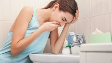 هل الغثيان في الليل من علامات الحمل
